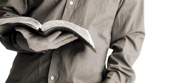 bible-reading-guy-7829071
